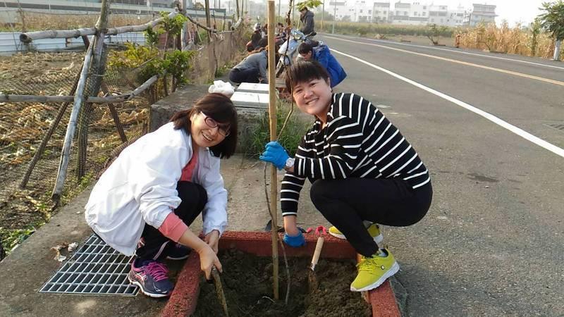 佳里區公所舉辦植樹活動多年,去年因疫情停辦。圖/黃亞晴提供