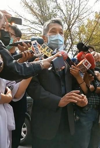 嘉義市警察局長黃建榮到高雄說明初步案情。記者張議晨/攝影