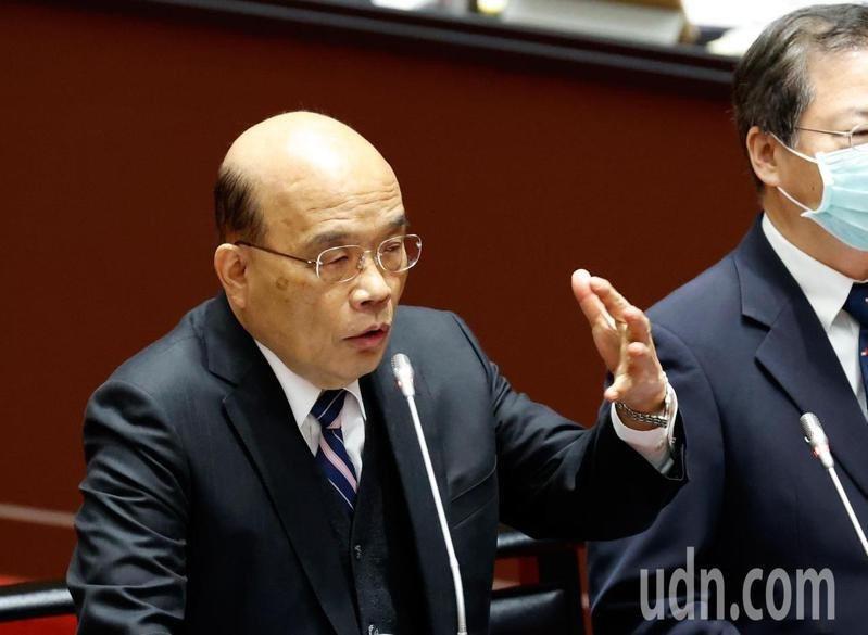 立法院上午舉行新會期的第一次施政總質詢,行政院長蘇貞昌進入議場報告並接受質詢。記者鄭超文/攝影