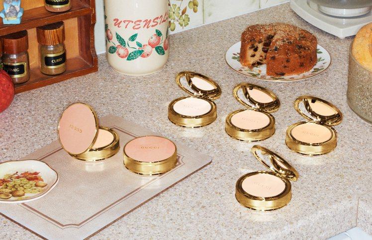柔焦凝光粉餅推出3種新色號。圖/Gucci提供