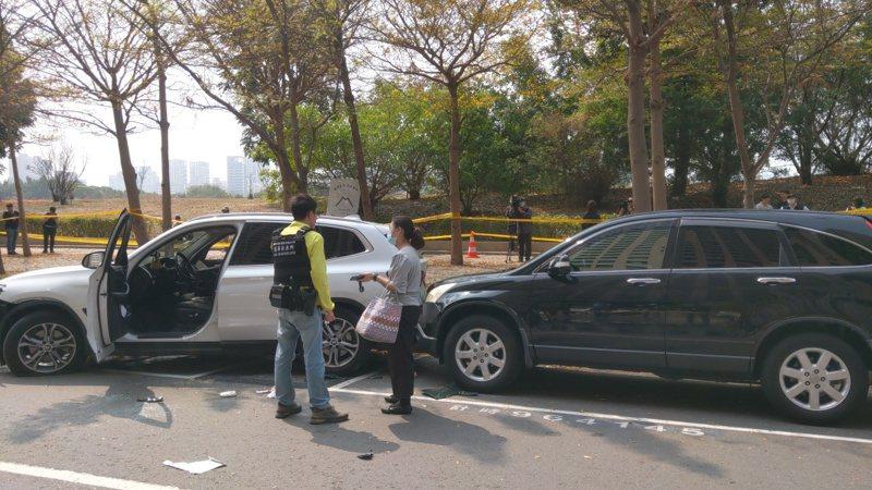 女車主今到高雄市明誠四路附近上班,正巧休旅車停在李姓犯嫌後方,無辜受波及高喊「衰到爆」。記者張議晨/攝影