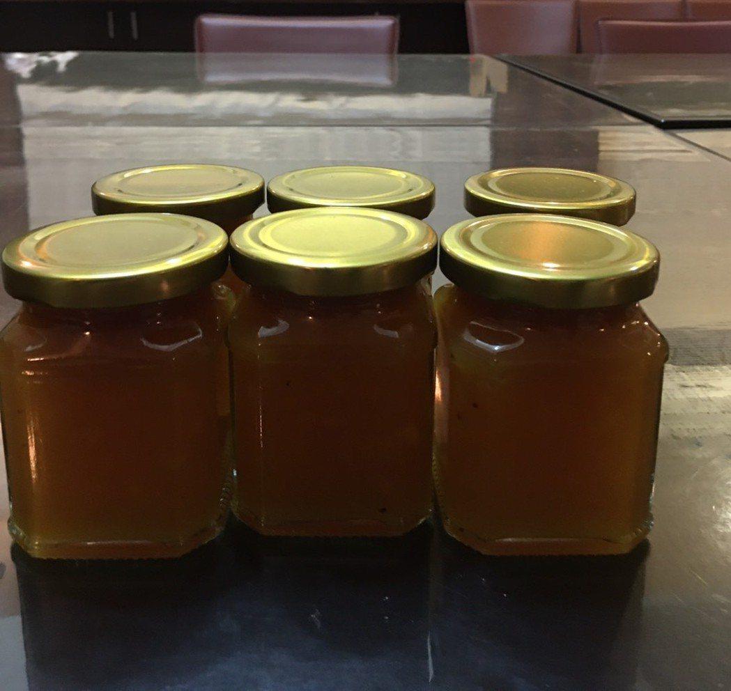 林右昌老婆吳秋英自製秋英牌鳳梨果醬。圖/基隆市政府提供
