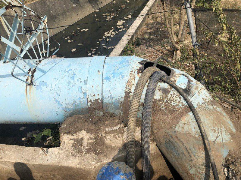 自來水公司800厘米大管線破裂 ,台南歸仁23000多戶停水。記者周宗禎/攝影