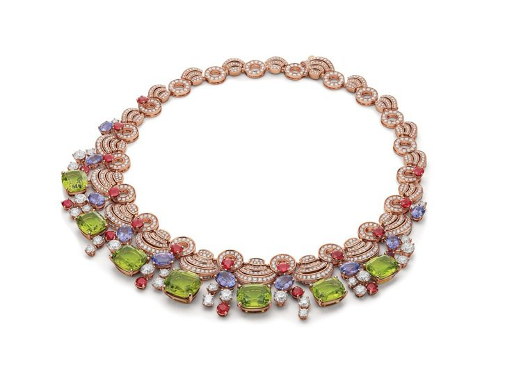 BVLGARI BAROCKO系列頂級彩寶與鑽石項鍊,1,971萬1,000元。...