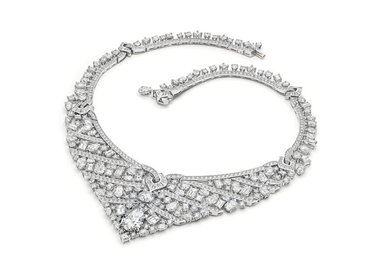 BVLGARI BAROCKO系列頂級鑽石項鍊,5,375萬6,000元。圖/寶...