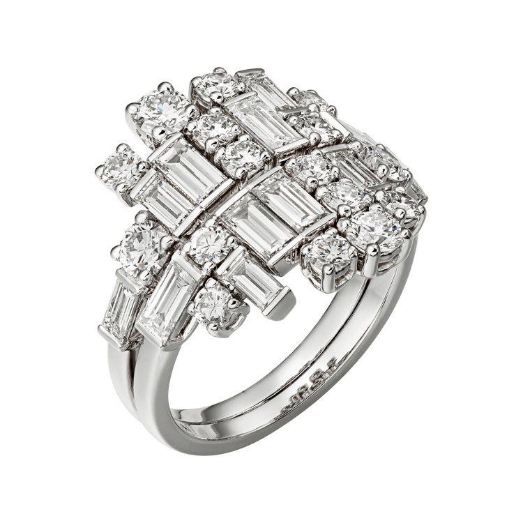 凡妮莎寇比配戴的卡地亞Reflection de Cartier鑽石戒指,白K金...