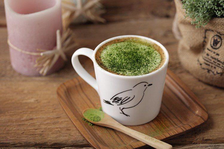 抹茶咖啡拿鐵(熱),每杯180元。圖/杏桃鬆餅屋提供