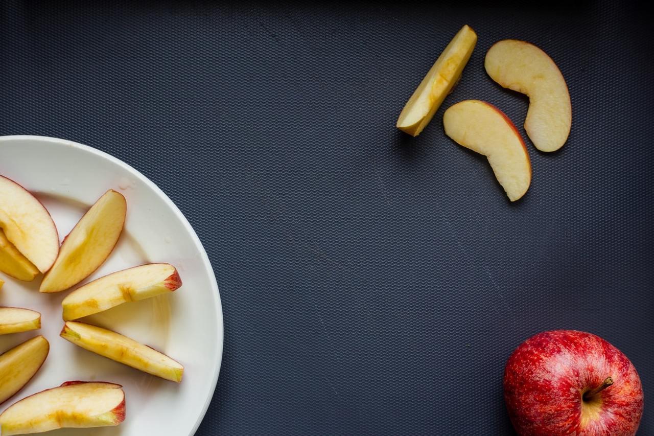 蘋果皮是天然止瀉劑,腸胃炎期間可吃適量 圖/unsplash