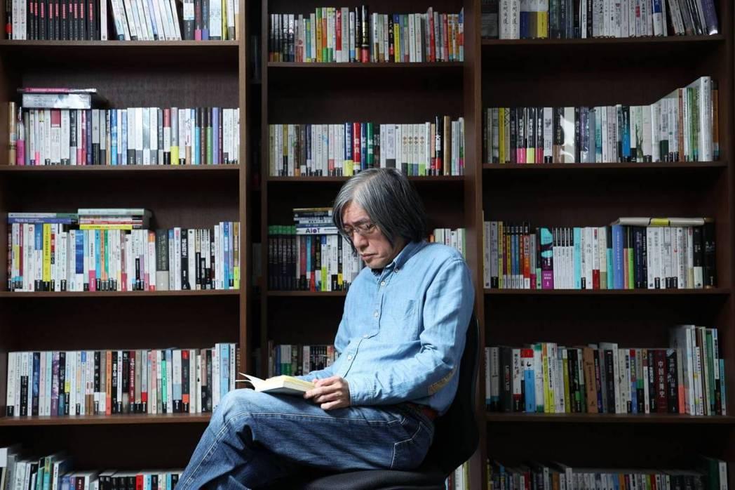 上善人文基金會董事長詹宏志將於3月10日起連續12週的週三選讀一本小說,在中央書...