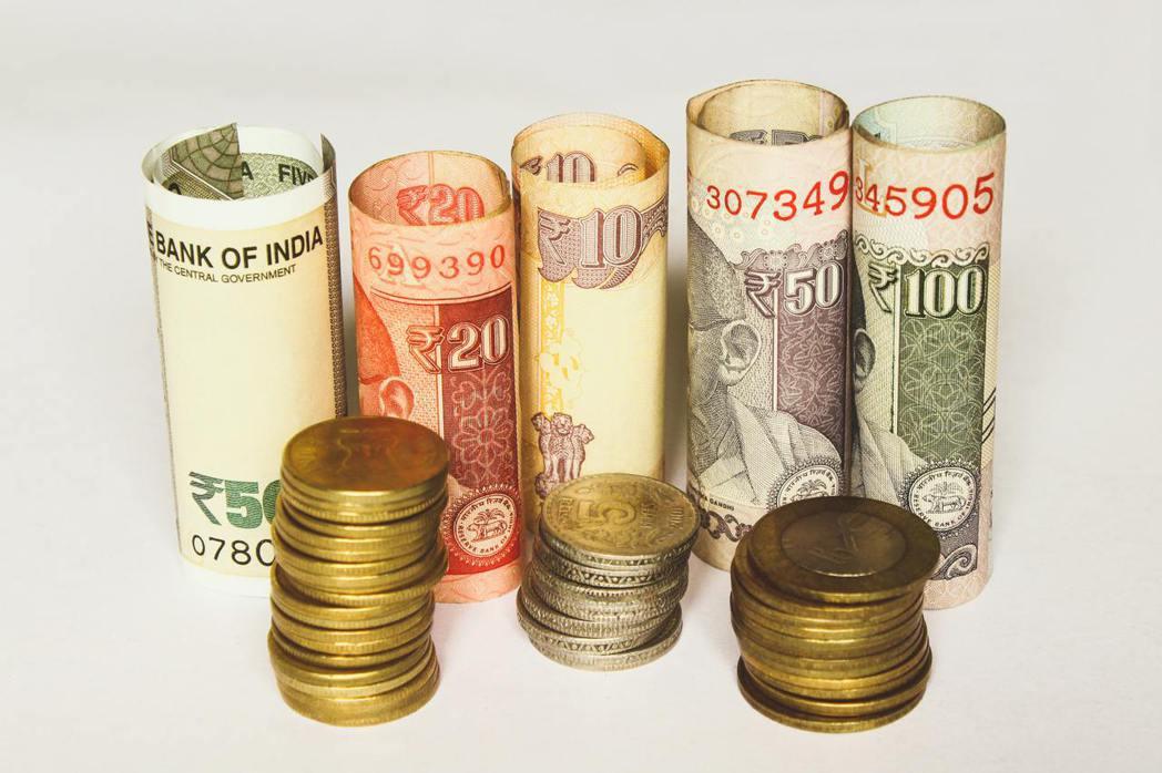 我們每個人幾乎在還不具備什麼金融知識、甚至連對投資是什麼都一知半解時,就主動或被...