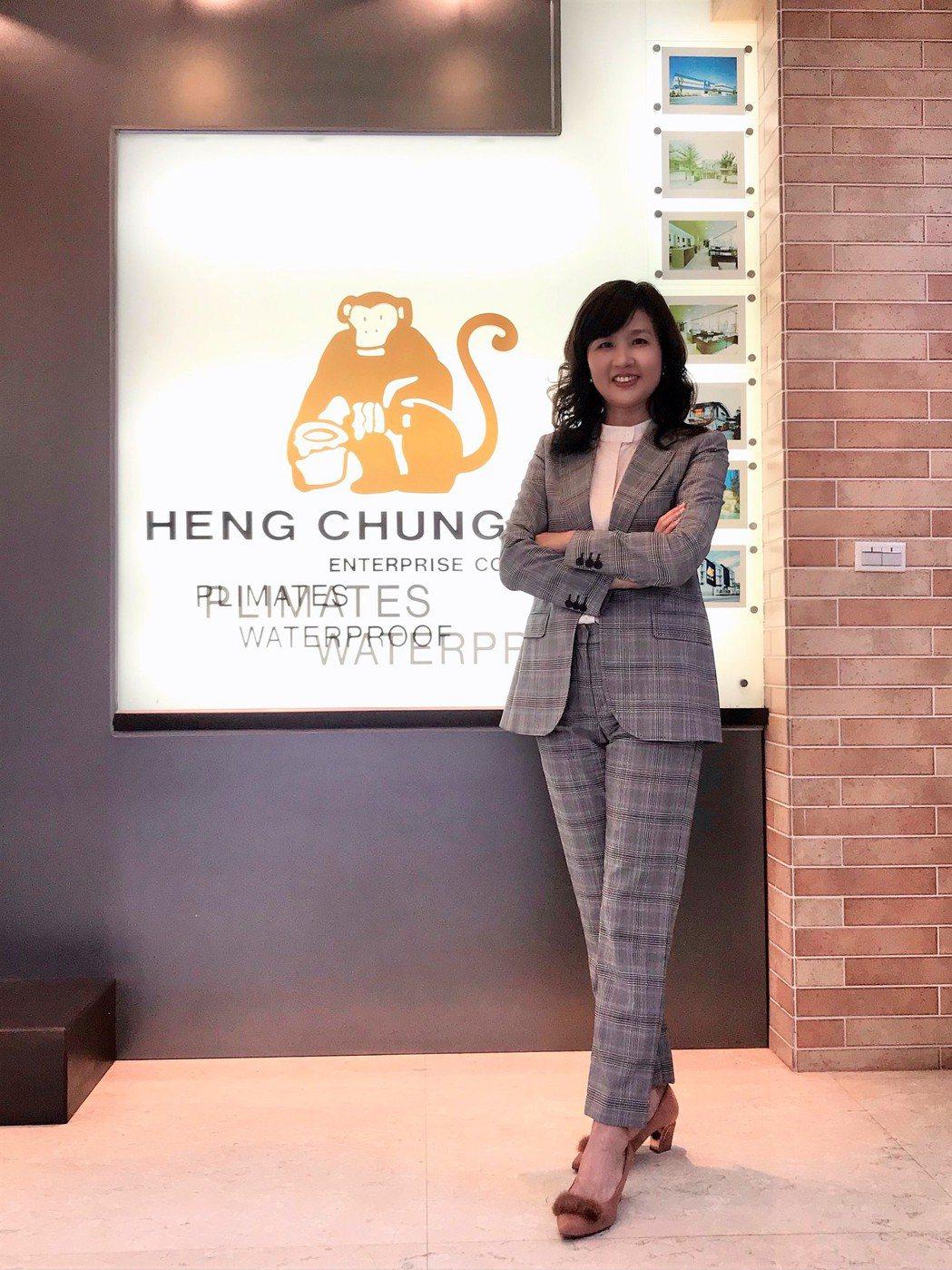 張繼華說明,丈夫林建宏創業前曾到東南亞視察,在印尼猴子是神聖的表徵,因此公司品牌...