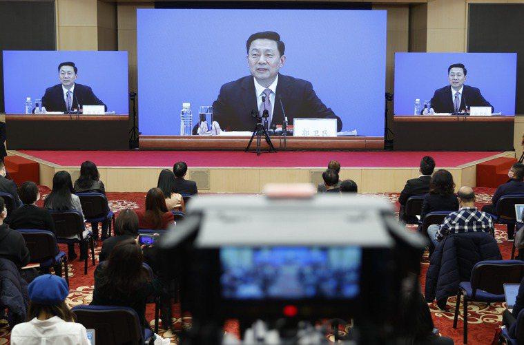 中國全國政協13屆4次會議發言人郭衛民今天表示,截至2月底,中國已累計接種COV...