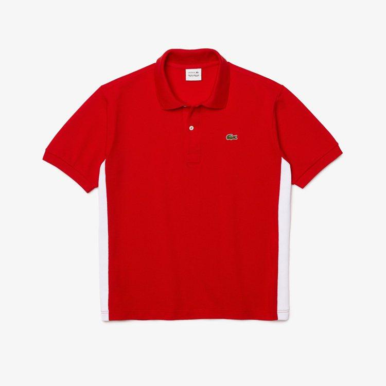 LACOSTE x RICKY REGAL亮紅色飾邊Polo衫,5,680元。圖...