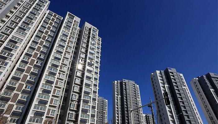 大陸部分大城市出現個人住房貸款額度緊張、放款周期延長、資格審核更嚴格的情況。(新...