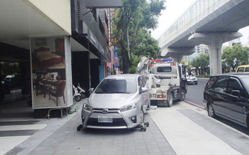 各縣市交通違規檢舉數量暴增。圖/台中市政府提供