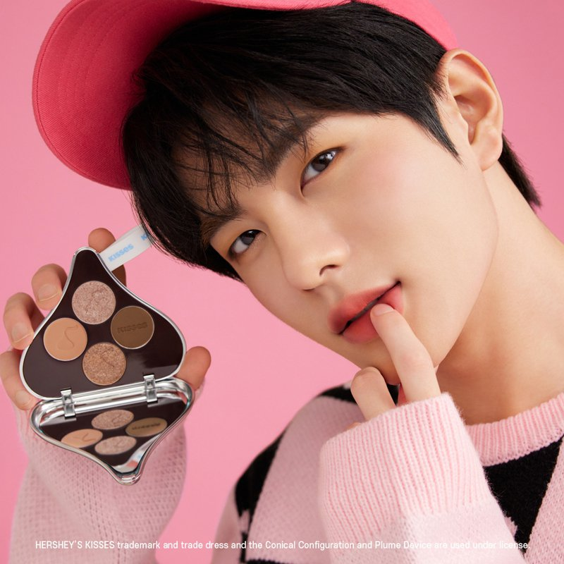 ETUDE聯名HERSHEY'S KISSES,邀來韓團Golden Child成員崔普閔擔任品牌大使。圖/ETUDE提供