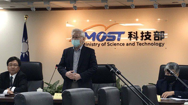 科技部長吳政忠表示,我國三大科學園區去年營業額首度突破3兆,達3兆276億元,年增15% 記者潘乃欣/攝影