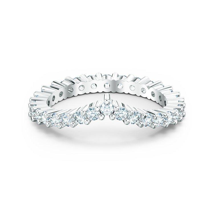 施華洛世奇Vittore V戒指,3,490元。圖/施華洛世奇提供