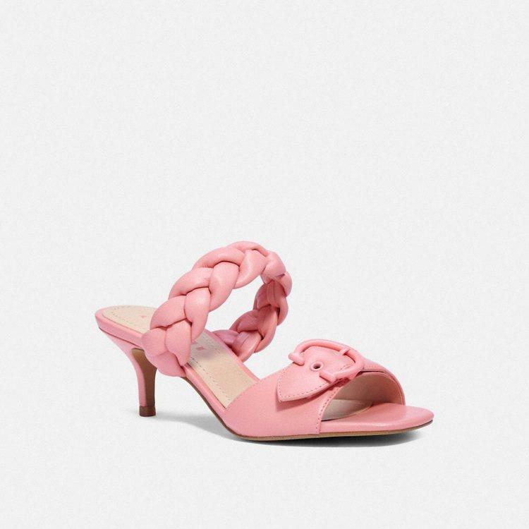 Mollie跟鞋,8,500元。圖/COACH提供