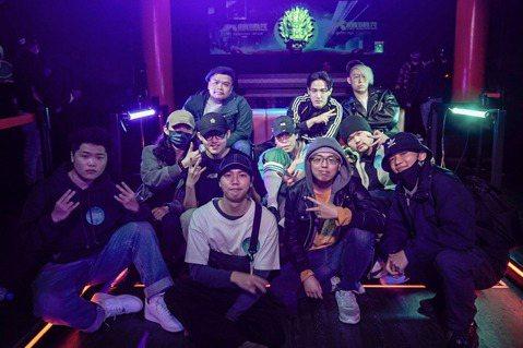 MTV斥資打造,台灣第一檔超大型嘻哈選秀節目「大嘻哈時代」,近期舉辦大規模海選,在2月21日高雄場海選結束後,製作單位於上周公布台北場海選名單,由於報名人次過於踴躍,為讓符合報名資格的人才都有一展實...