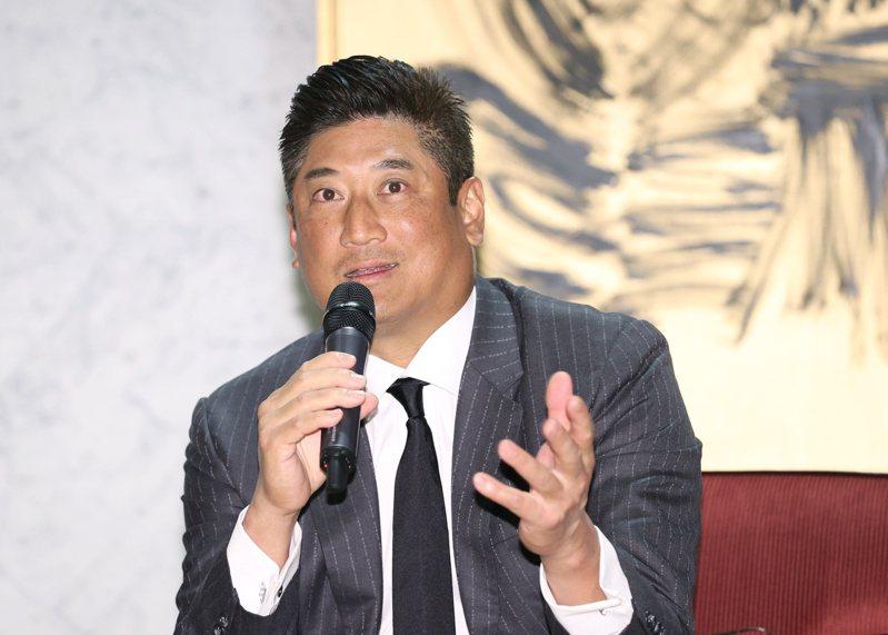 中華棒協理事長辜仲諒認為台灣有大巨蛋很重要。記者曾原信/攝影