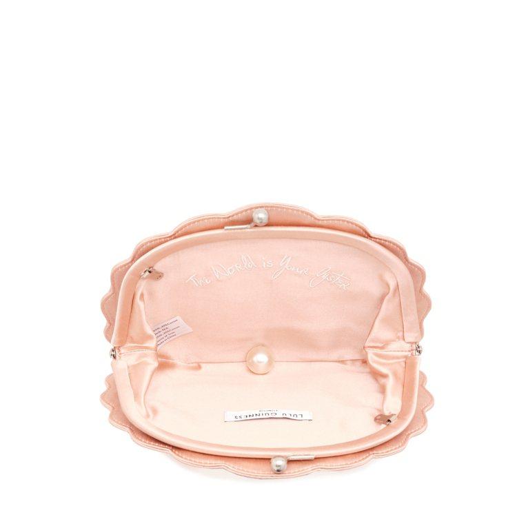 每個包打開都可以看到一顆珍珠,還有源自於英國大文豪莎士比亞劇本的「The wor...
