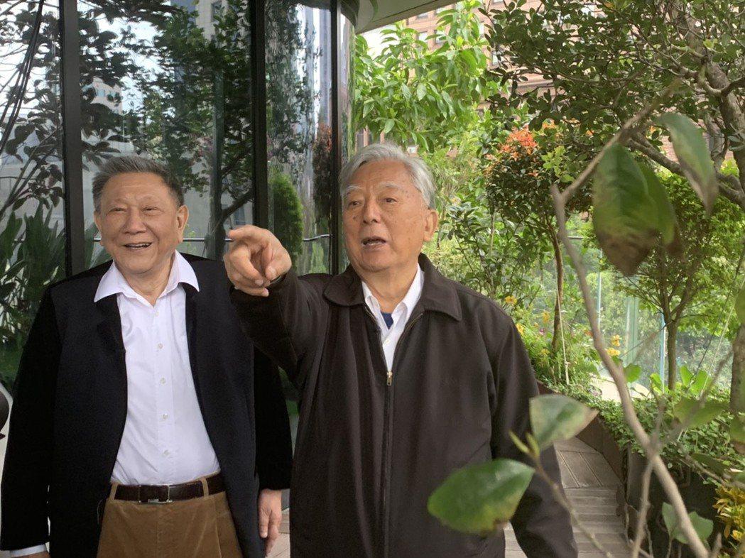 威京總部集團主席沈慶京(左)、黃大洲(右)。圖/業者提供