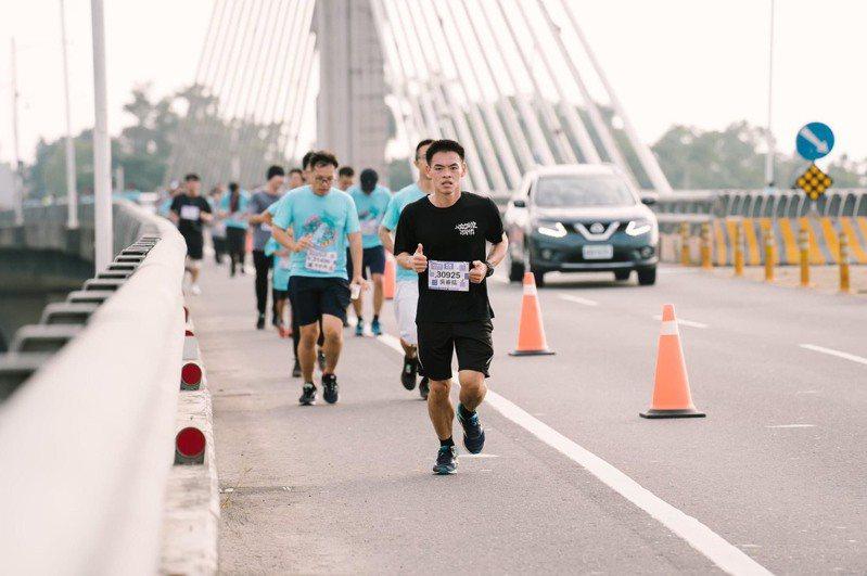 旗美馬拉松讓跑友飽覽旗山、美濃美景,感受兩地不同文化。圖/聯合數位文創提供