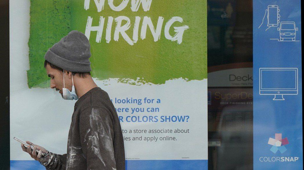 美國經濟重整旗鼓,但就業市場依然疲弱,上月民間雇主新僱人手遠不如預期。 (美聯社...
