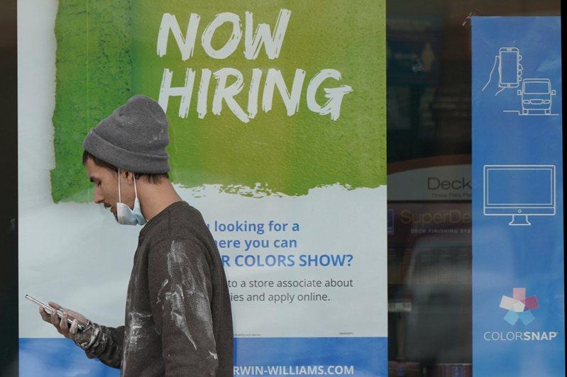美國經濟重整旗鼓,但就業市場依然疲弱,上月民間雇主新僱人手遠不如預期。 (美聯社)