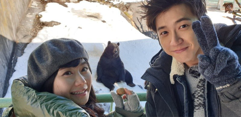 圖為江宏傑和福原愛在2019年於北海道度甜蜜假期時攝。圖/華研提供