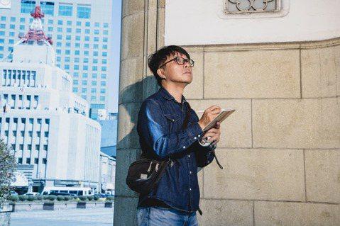 王誌成實地走訪還原場景中華商場周邊,記錄下每個細節。記者曾原信/攝影