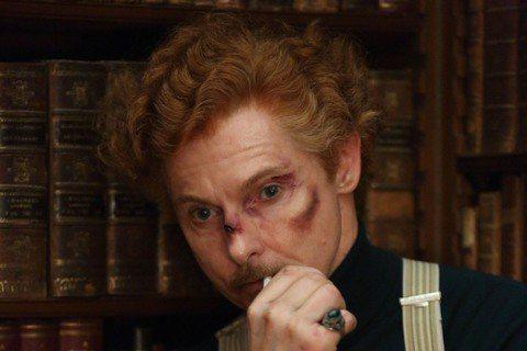 早在「華倫夫婦」以前,英國超自然現象研究者哈利普萊斯(Harry Price)因調查「波麗萊多里鬼屋」而成為最為著名的靈異專家。據傳哈利在調查中可與鬼魂「溝通」,卻仍無法解決屋中的靈異現象,也因此讓...