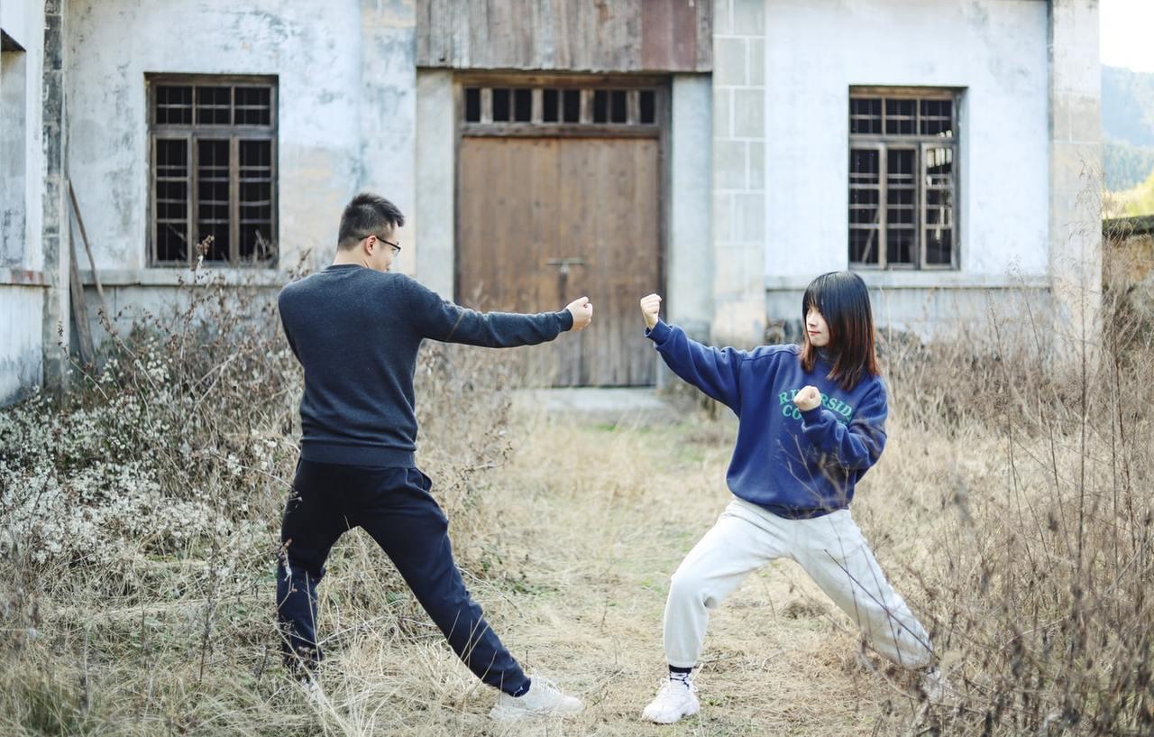 太極拳雖然無法預防骨質疏鬆,但可以訓練平衡感,使老人家不易跌倒。 圖/unspl...