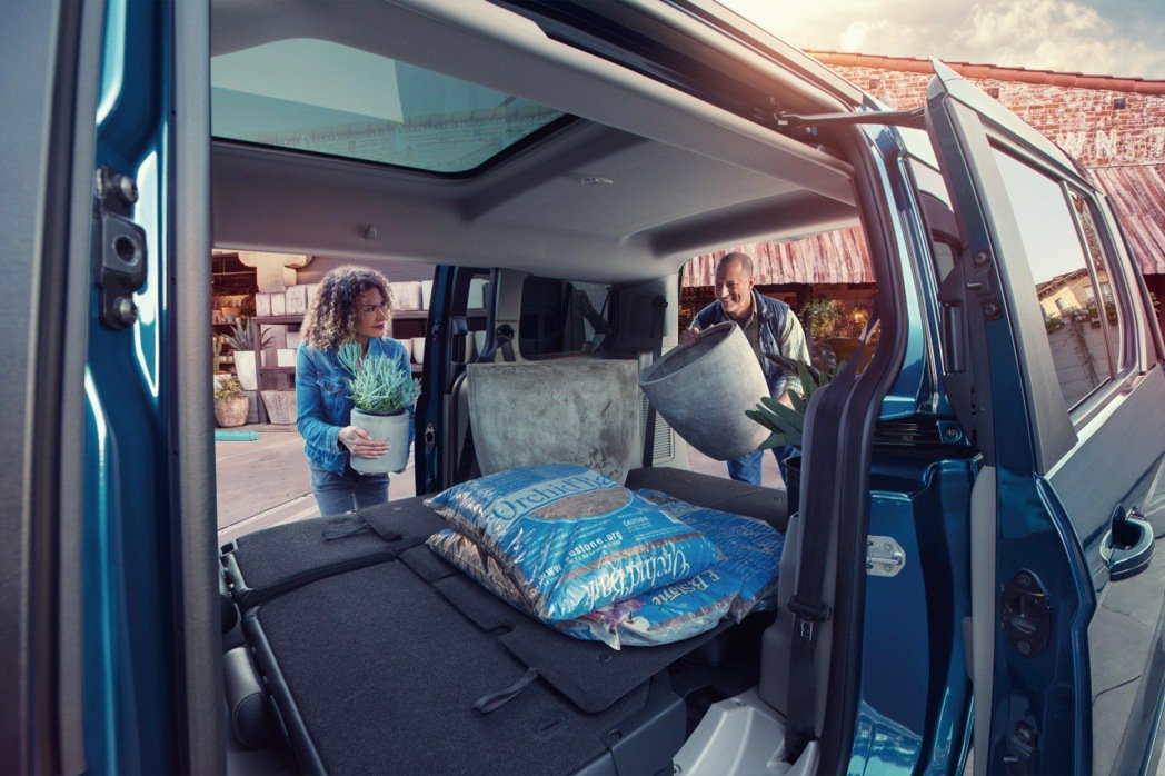 The All-New Ford Tourneo Connect旅玩家專屬配置F...