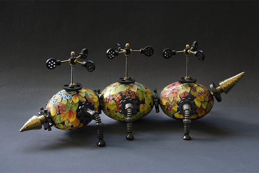 《三截蟲探測器》,細緻筆觸疊出色彩層次,再裝飾機器零件,未來感十足! 陶博館/提...