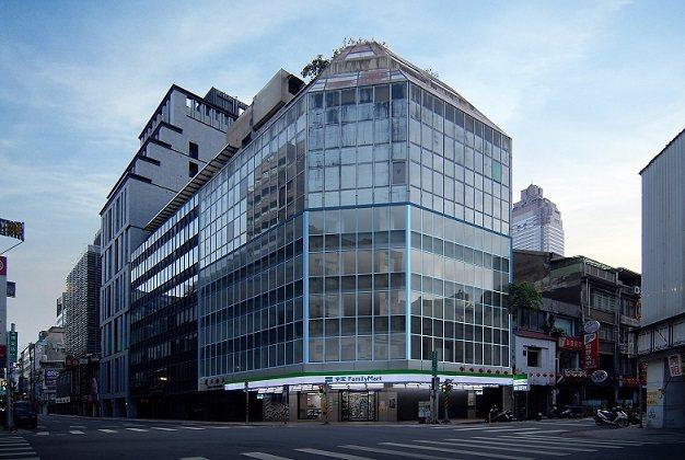 台北車站精華商用大樓外觀。 普華國際不動產/提供