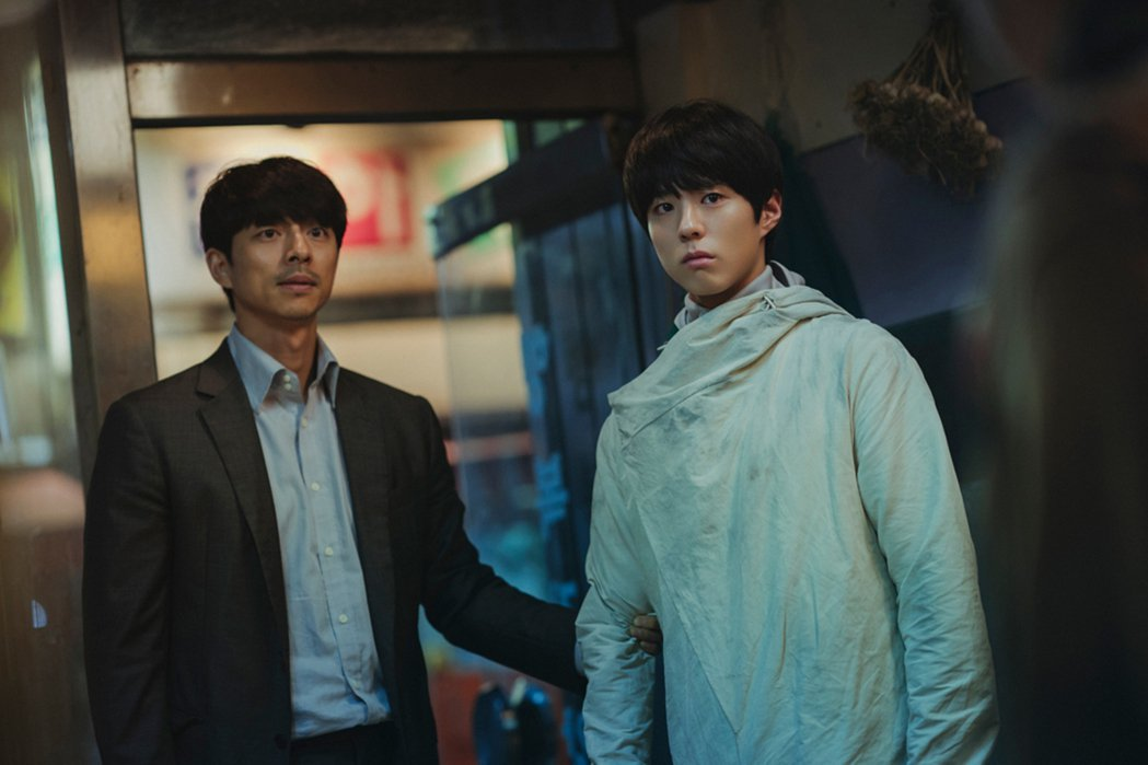 孔劉、朴寶劍首度同台飆戲的動作片「永生戰」劇照。圖/CATCHPLAY提供