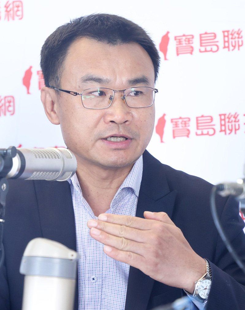 農委會主委陳吉仲今(4)日表示,這個月絕對會有台灣生鮮鳳梨外銷到澳洲。記者潘俊宏/攝影