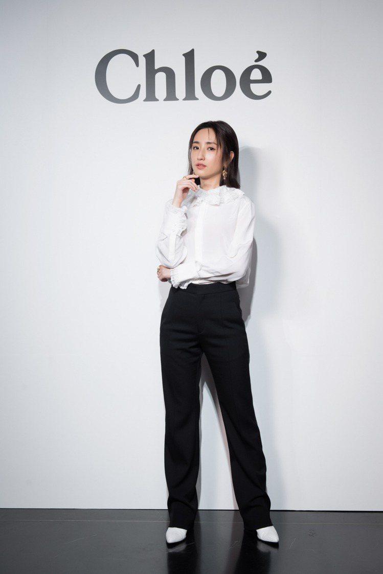 柯佳嬿現身Chloé 2021秋冬數位發表大秀,表示她喜愛品牌予人的明亮、自然質...