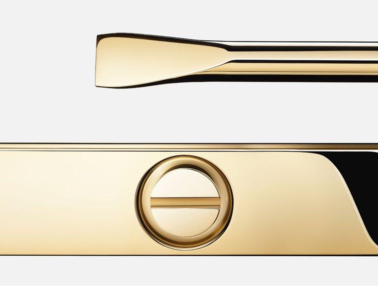 LOVE手環的裝飾性螺絲為設計標誌符號。圖/卡地亞提供