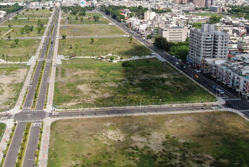 高雄岡山第87期重劃區有「岡山農16」美譽,這次釋出的信義段31號土地,預估又將成搶手貨。圖/高雄市地政局提供