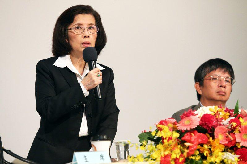 大同前董事長林郭文艷(左)把重心轉移到她還握有主導權的精英電腦上,並大力規畫電動車相關產品,圖為她2016年出席精英電腦股東會情形。圖/聯合報系資料照片