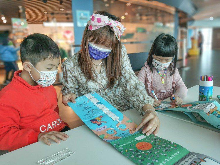 台北101觀景台2020年觀景台來客,高達7成為親子客。圖/台北101提供