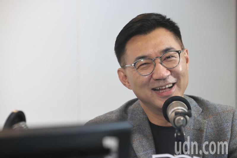國民黨主席江啟臣(圖)下午接受廣播專訪,他回應趙少康論點不精準的說法,並解釋接受路透社專訪時的內容。記者蘇健忠/攝影