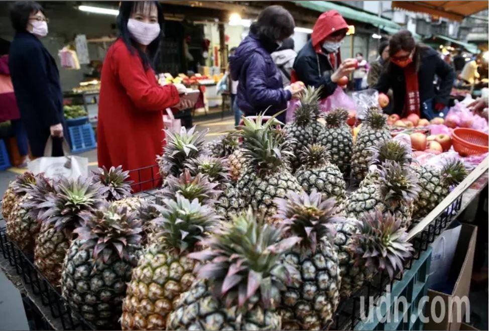 大陸暫停台灣鳳梨進口,在野黨質疑陸委會是否按照「海峽兩岸農產品檢疫檢驗合作協議」...