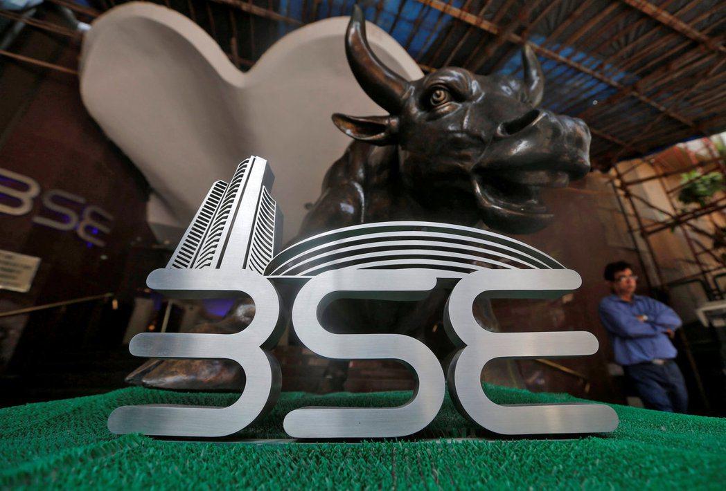 印度股市評價面低,在經濟全面復甦下,投資潛力可期,建議投資人把握回檔時機。(路透...