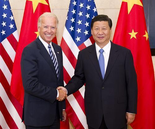 習近平(右)與拜登(左)相識多年,被中美政界稱為老朋友。(新華社資料照)