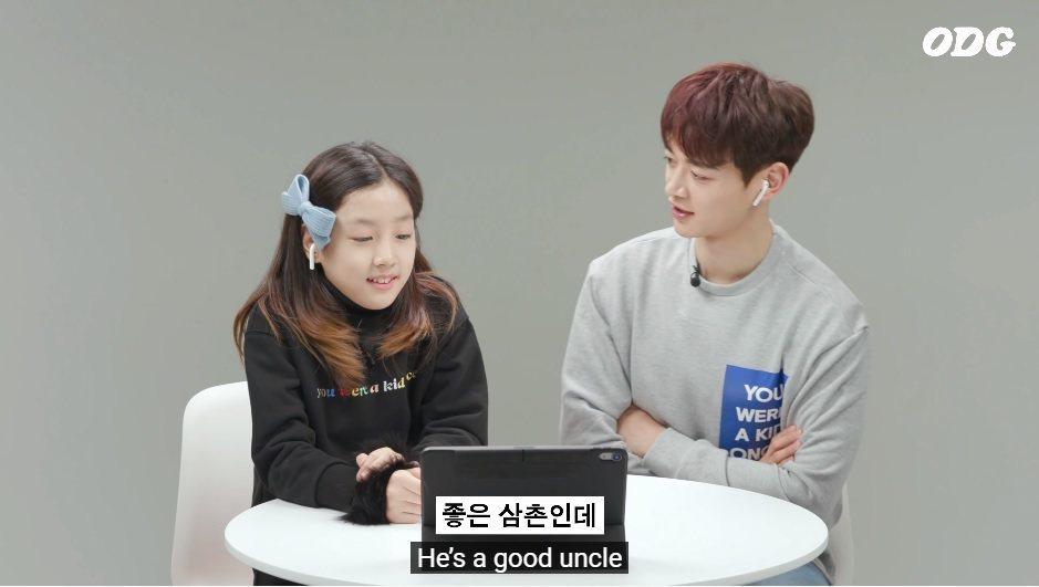 珉豪與小朋友一起回顧過往演出時說鐘鉉「是個好叔叔」。圖/擷自YouTube