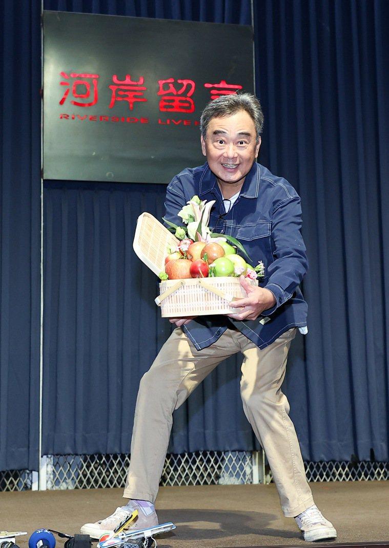 陳昇證實罹患口腔癌,病榻最不捨結褵35年的髮妻。記者余承翰/攝影